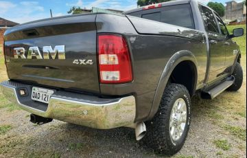 Dodge Ram 6.7 2500 Laramie 4x4 CD I6 Turbo - Foto #4