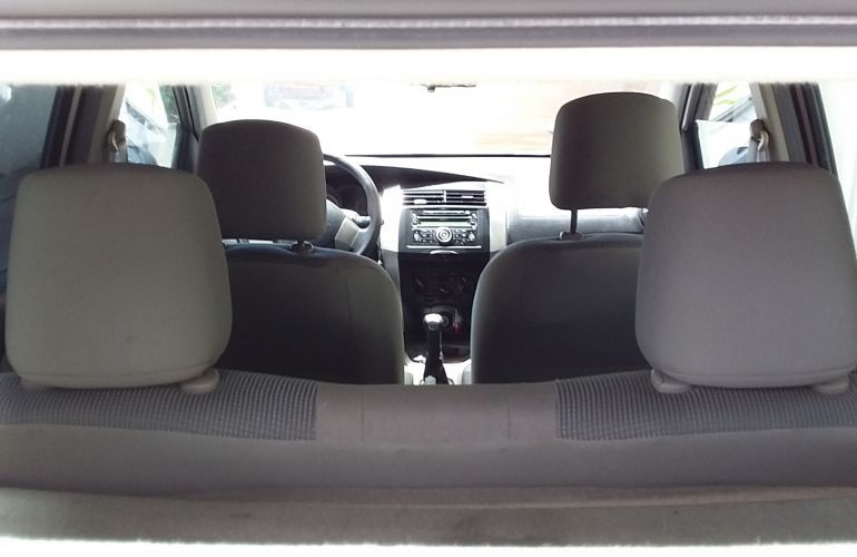 Nissan Livina S 1.6 16V (flex) - Foto #2