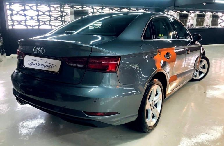 Audi A3 SEDAN PRESTIGE PLUS 25 ANOS 1.4 TFSI Flex TIPTRONIC - Foto #2