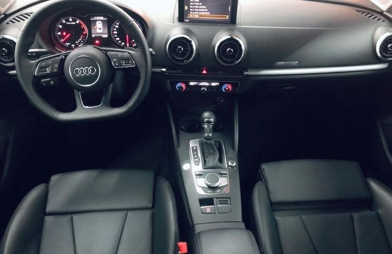 Audi A3 SEDAN PRESTIGE PLUS 25 ANOS 1.4 TFSI Flex TIPTRONIC - Foto #5