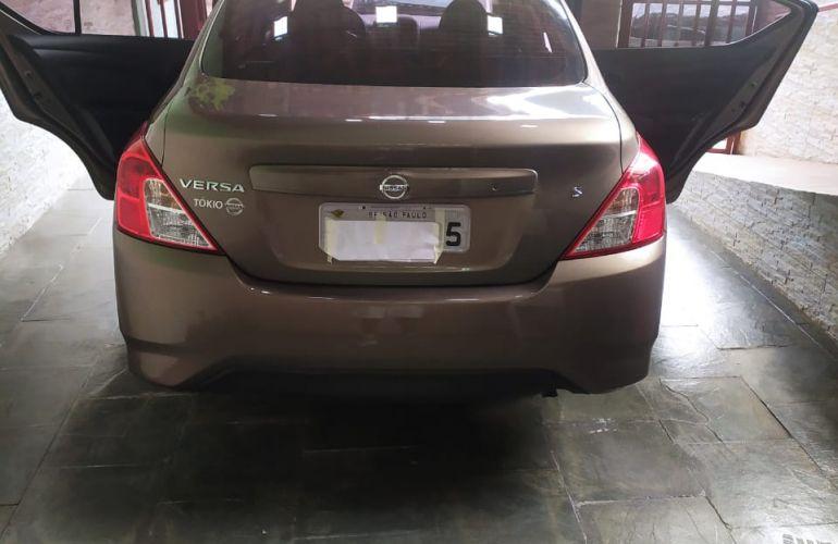 Nissan Versa 1.0 12V S (Flex) - Foto #3