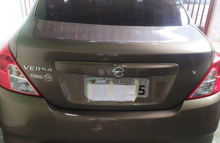 Nissan Versa 1.0 12V S (Flex) - Foto #4