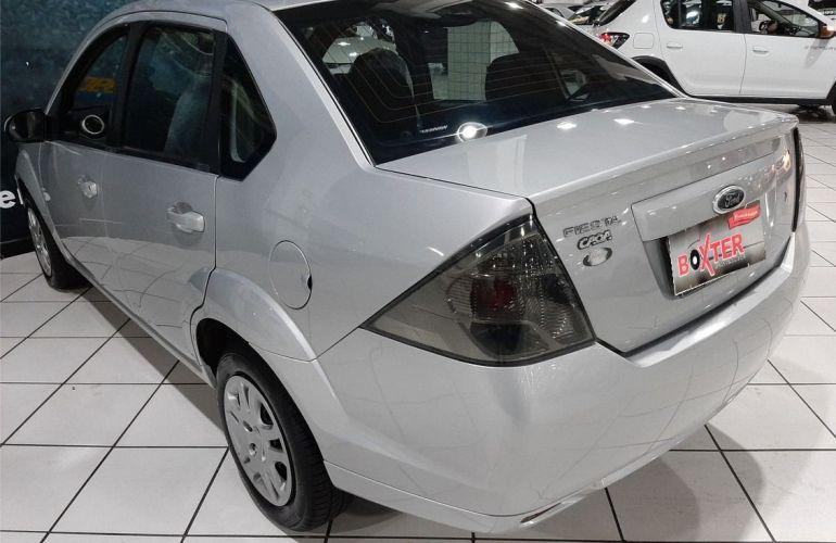 Ford Fiesta 1.6 MPi Class Sedan 8v - Foto #8