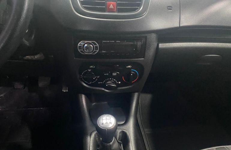 Peugeot 207 1.4 Xr Passion 8v - Foto #8