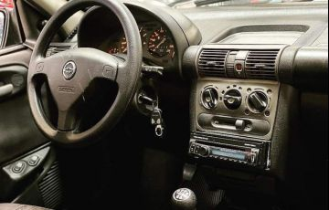 Chevrolet Corsa 1.6 MPFi Classic Sedan 8v - Foto #4