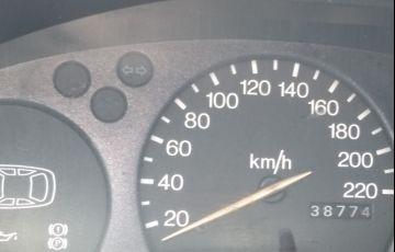 Ford Fiesta Hatch 1.0 MPi - Foto #2