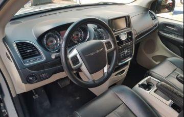 Chrysler Town & Country 3.6 Touring V6 24v - Foto #4