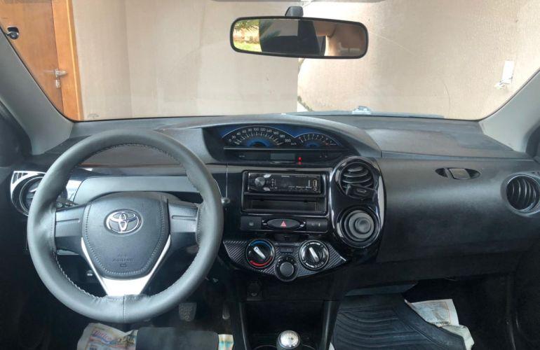Toyota Etios Sedan X 1.5 (Flex) - Foto #3