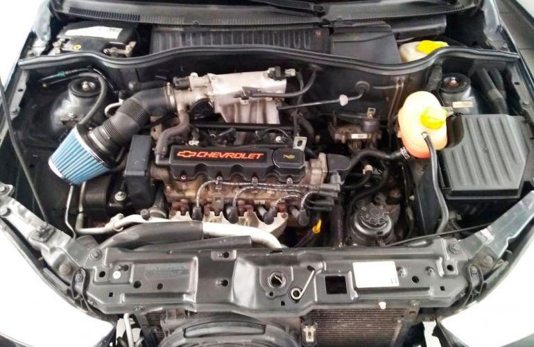 Chevrolet Corsa 1.0 MPFi Premium Sedan 8v - Foto #10