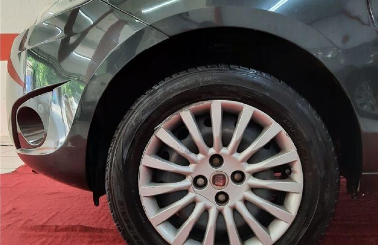 Fiat Palio 1.6 MPi Essence 16V Flex 4p Automático - Foto #8