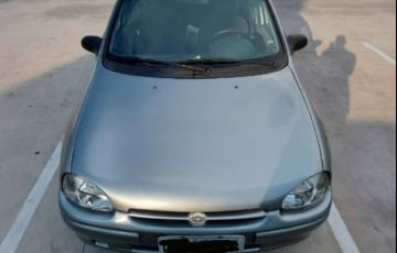 Chevrolet Corsa Sedan GL 1.6 MPFi
