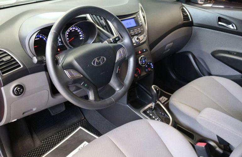 Hyundai HB20 Premium 1.6 Flex 16V - Foto #8