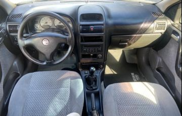 Chevrolet Astra 2.0 Sfi CD Sedan 16v - Foto #7