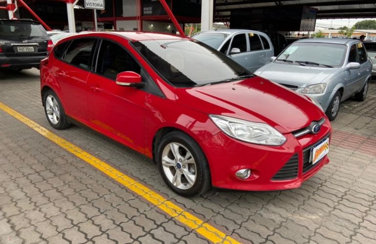 Ford Focus Hatch SE 1.6 16V TiVCT - Foto #1