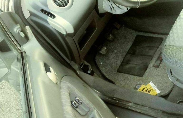 Ford Fiesta Hatch Supercharger 1.0 8V - Foto #3