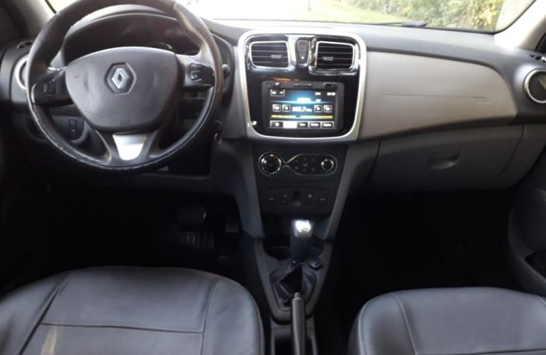 Renault Logan Dynamique 1.6 16V SCe (Flex) - Foto #8