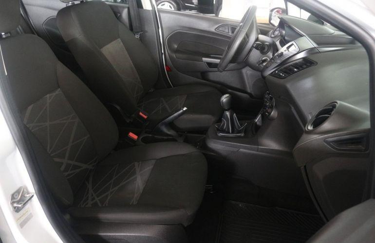 Ford Fiesta 1.5 S Hatch 16v - Foto #5
