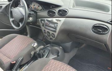 Ford Focus 1.6 Glx Sedan 8v - Foto #9