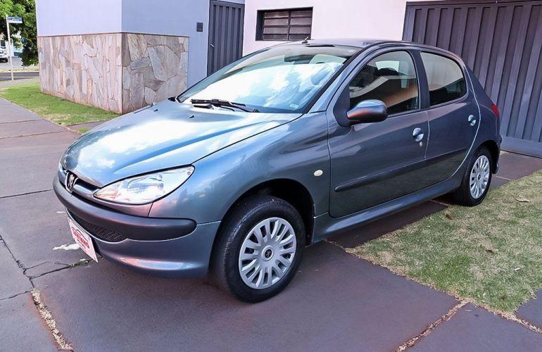 Peugeot 206 1.0 Sensation 16v - Foto #3