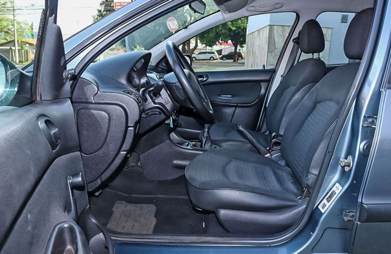 Peugeot 206 1.0 Sensation 16v - Foto #4