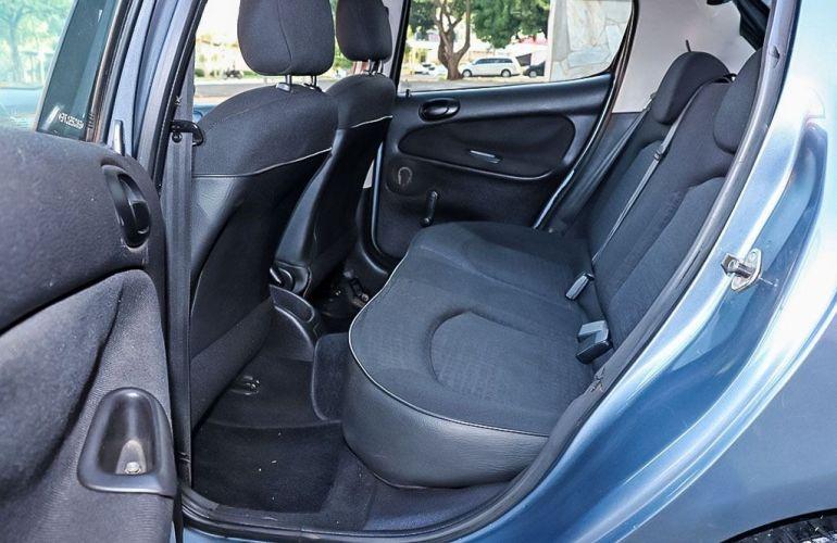 Peugeot 206 1.0 Sensation 16v - Foto #7
