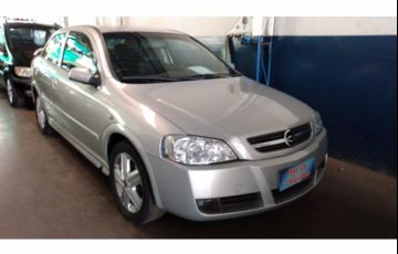 Chevrolet Astra Hatch Elegance 2.0 (Flex) 2p
