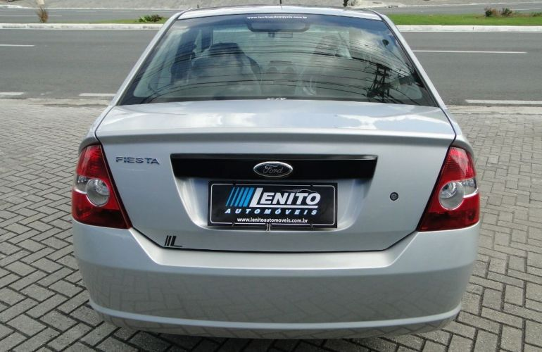 Ford Fiesta 1.0 MPi Sedan 8v - Foto #6