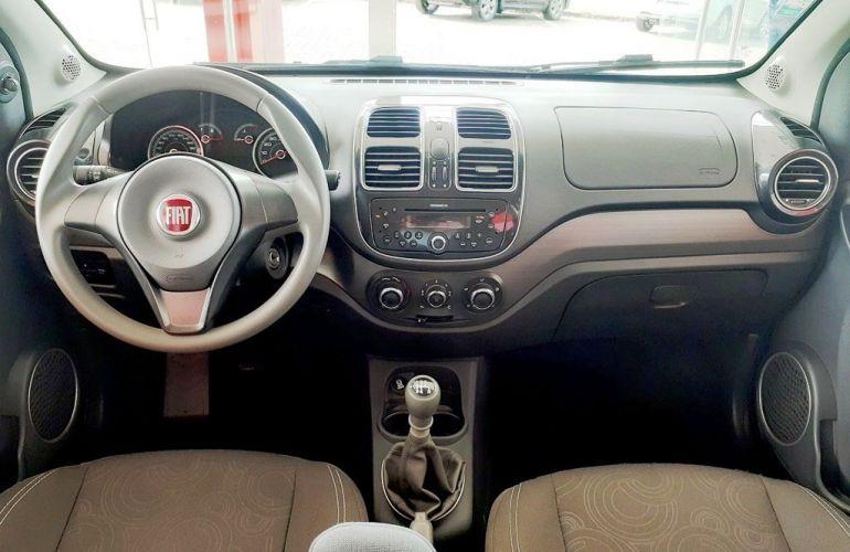 Fiat Grand Siena Tetrafuel 1.4 EVO - Foto #4
