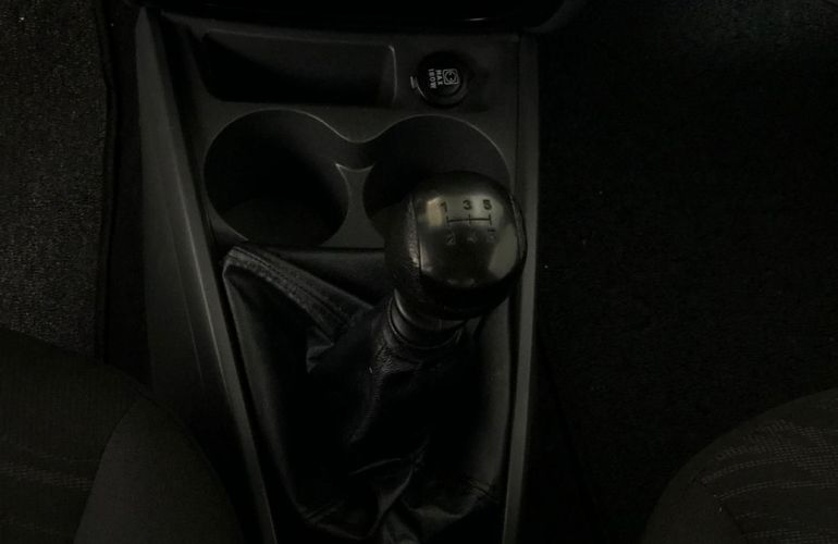 Fiat Strada 1.4 MPi Hard Working CE 8v - Foto #9