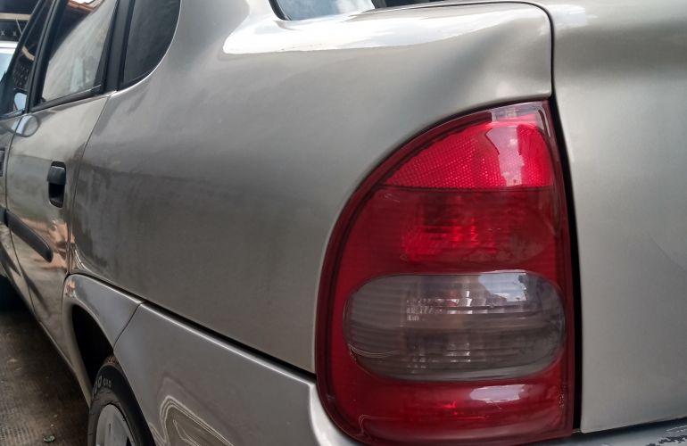 Chevrolet Corsa Sedan Classic Life 1.0 VHC - Foto #2