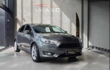 Ford Focus 2.0 SE Plus Fastback 16v