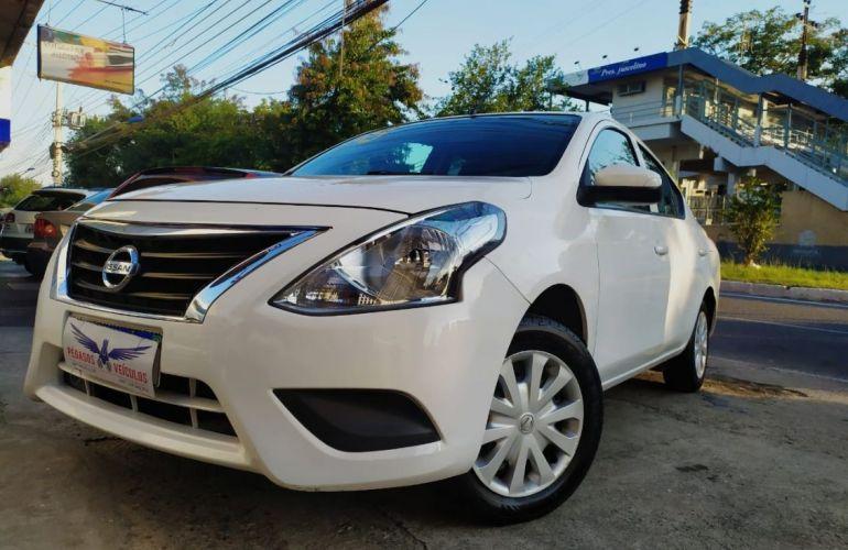 Nissan Versa 1.0 12v - Foto #6