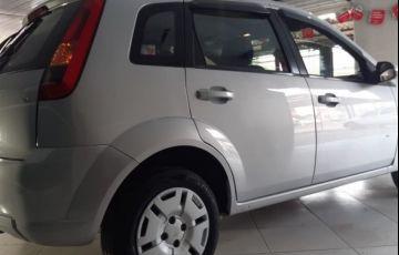 Ford Fiesta 1.6 MPI 8V - Foto #4