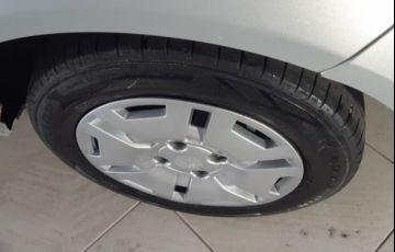 Ford Fiesta 1.6 MPI 8V - Foto #6