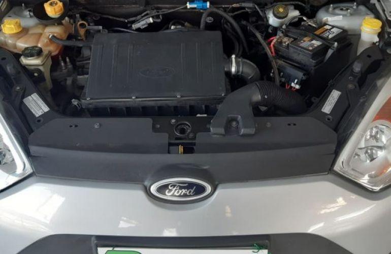 Ford Fiesta 1.6 MPI 8V - Foto #9
