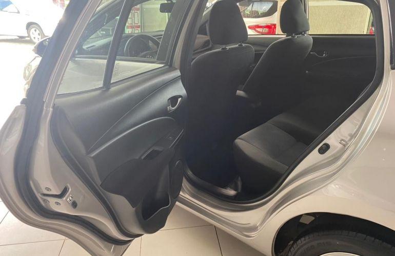 Toyota Yaris HB 1.3 XL MT - Foto #7