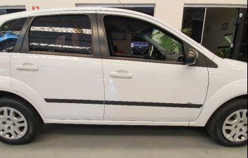 Ford Fiesta 1.0 Rocam SE Plus Hatch 8v - Foto #6