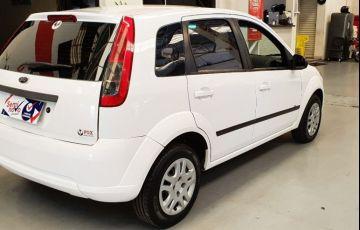 Ford Fiesta 1.0 Rocam SE Plus Hatch 8v - Foto #8
