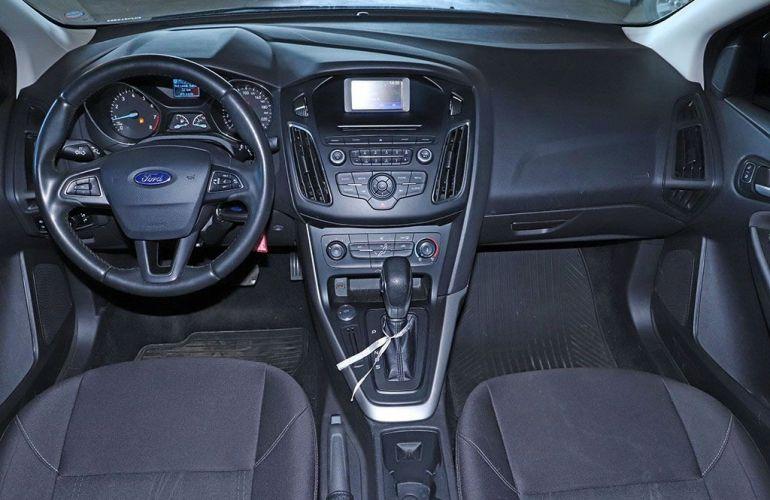 Ford Focus 2.0 SE Fastback 16v - Foto #4