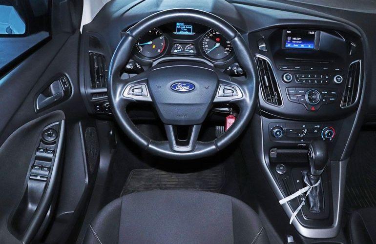 Ford Focus 2.0 SE Fastback 16v - Foto #5