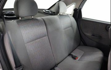 Chevrolet Corsa 1.8 MPFi Maxx Sedan 8v - Foto #10