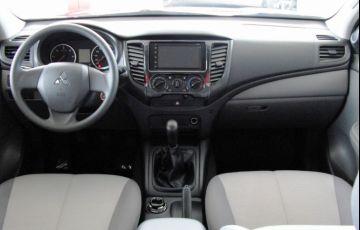 Mitsubishi L200 Triton Sport GLX Outdoor 2.4 - Foto #8