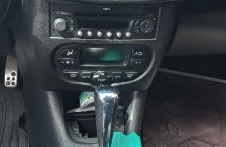 Peugeot 207 1.4 Xr Sw 8v - Foto #6