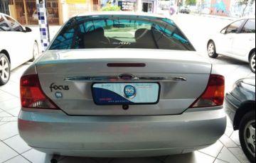 Ford Focus Sedan 2.0 16V - Foto #6