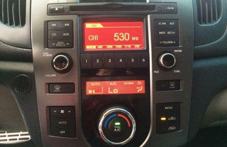 Kia Cerato EX 1.6 16V - Foto #3