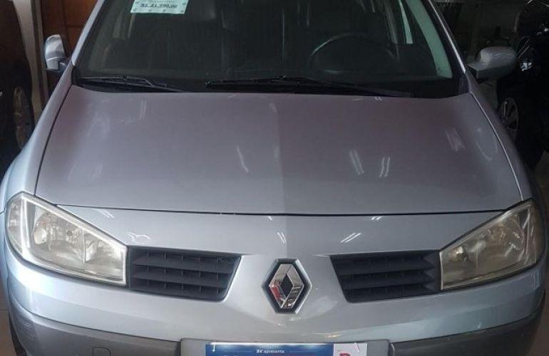 Renault Mégane Sedan Dynamique 2.0 16V - Foto #1