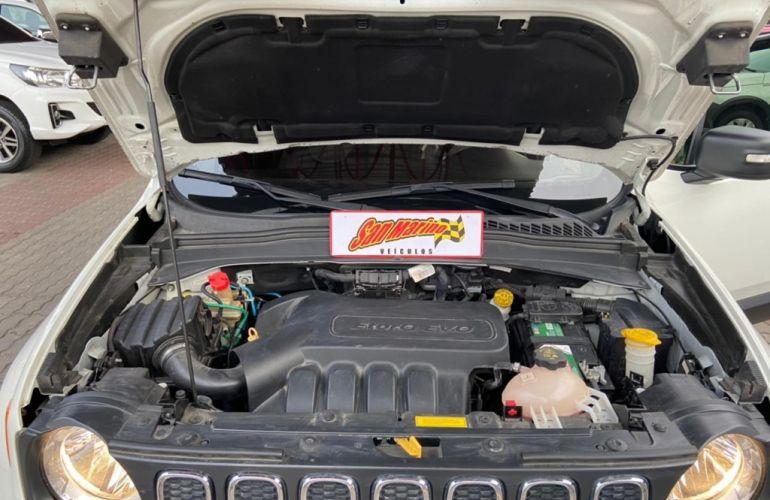 Jeep Renegade 1.8 Sport (Aut) - Foto #9