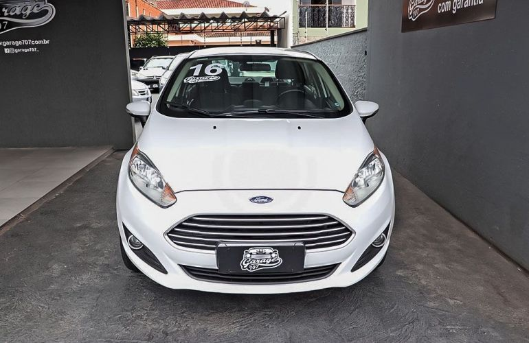 Ford Fiesta 1.6 SE Plus Sedan 16v - Foto #1