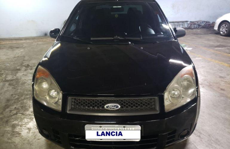 Ford Fiesta 1.0 MPi Sedan 8v - Foto #2