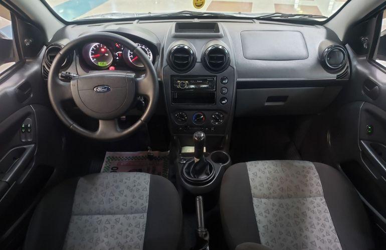 Ford Fiesta 1.6 MPi Class Sedan 8v - Foto #10
